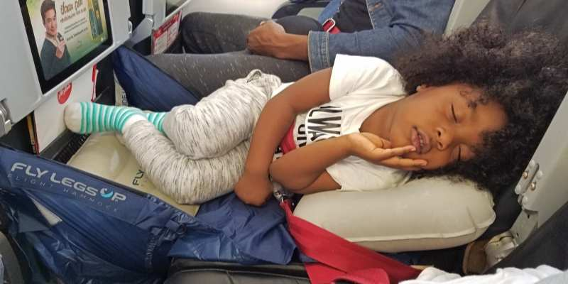 How to Soothe Your Child to Sleep on a Flight